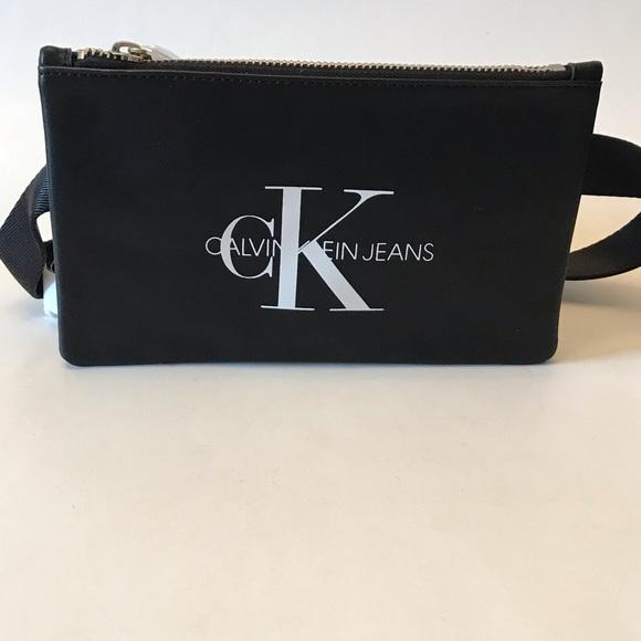 Calvin Klein Jeans Handbags - Calvin Klein fanny pack/belt.Size o/s